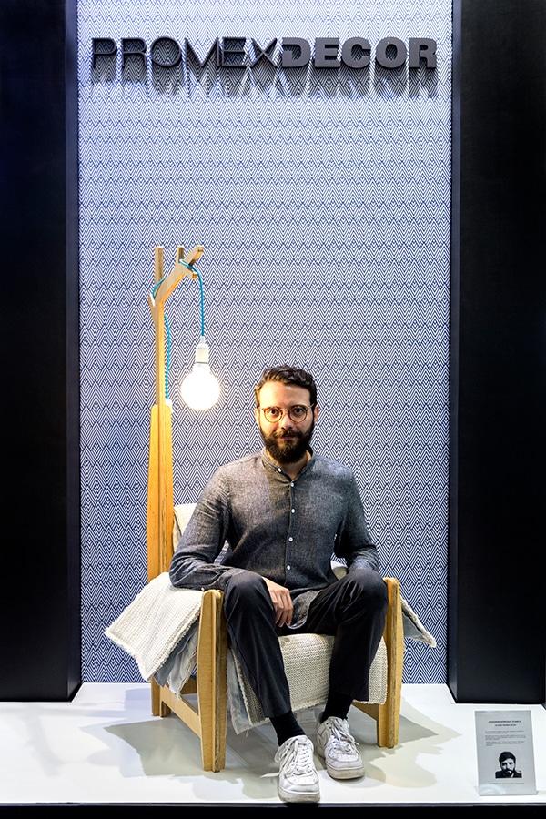 Henrique Stabile (Arquiteto e Designer) com a Promex Decor na Feira Abup